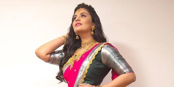 Actress Sreemukhi New Photos